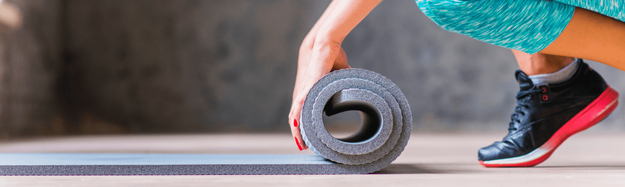 7 SIMPLE HOLIDAY EXERCISES: NO EQUIPMENT. 1 EPIC WORKOUT.